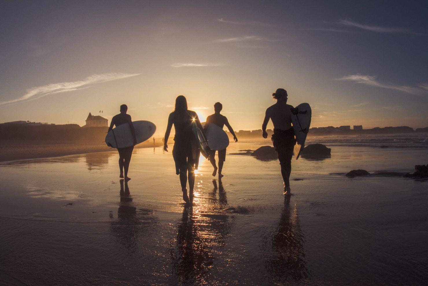 Surfers Lodge Peniche - Surf school, 4 star hotel