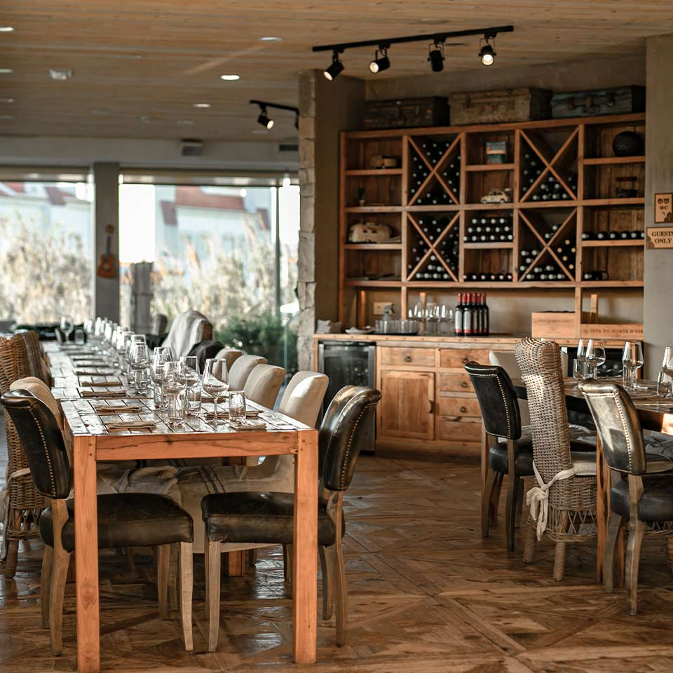 wines-tasting-room-lodge
