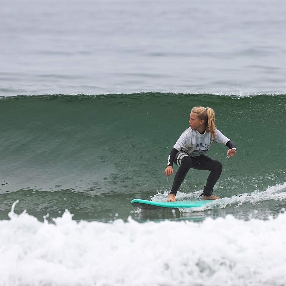 youth-surf-camp-girl